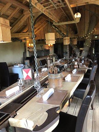 La Maison de Hary Cot: Top! Echt een pareltje! Het interieur, service, menu, wauw. Zelden zo fantastisch gegeten en bediening is ook Top!