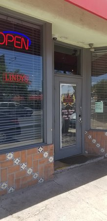 Lindy's Diner: Lindy's on 4th Street