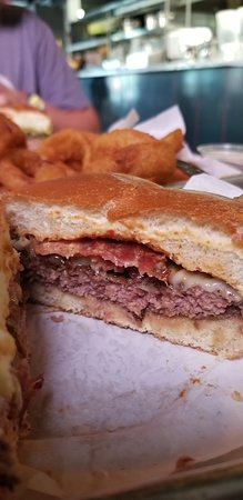 Lindy's on 4th: Cow-Tipper