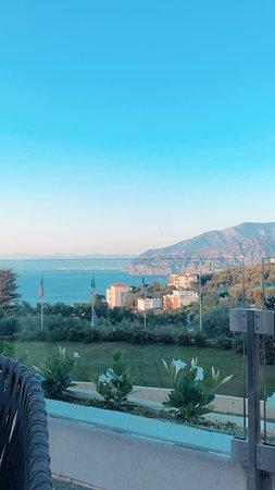 Grand Hotel Vesuvio : View from hotel bar.