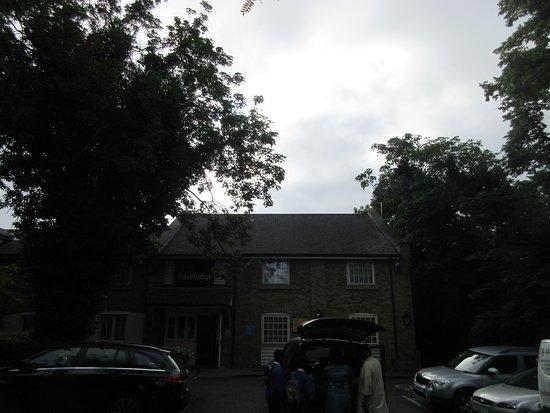 Travelodge Snaresbrook: Front Entrance