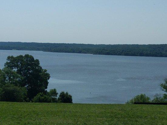 Mount Vernon Grounds Pass: Potomac River from Mount Vernon