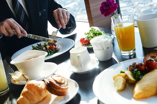 Hotel Metropolitan Tokyo Ikebukuro: Breakfast at Dining & Bar Ovest. For the guests staying on the 22 ‒ 24 floor only.