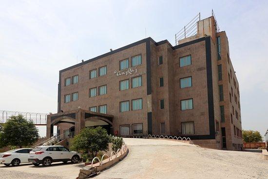 Capital O 5342 Motel Gajraj Continental- A Unit Of Gajraj Hotels Pvt Ltd