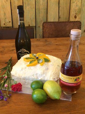 Rumours Bistro and Bar: OMG! Tarquins Peach Tea and Prosecco cake, fabulous.