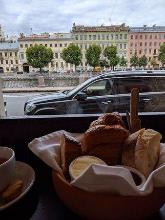 Все очень понравилось, омлет замечательный! Придем ещё :)  Everything was great, especially omelette :) definitely recommended.