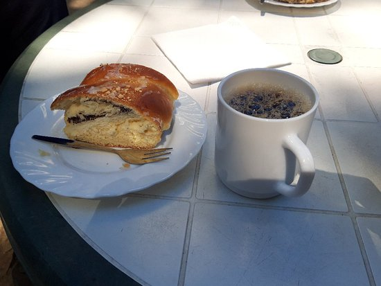 Kloster, Tyskland: Poppy seed cake and coffee