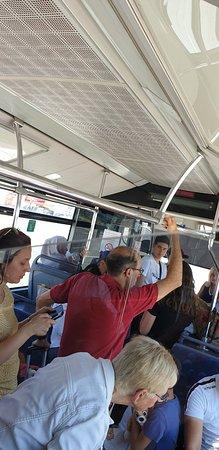 Aeropuerto de París-Orly: UNE HONTEEEEEEEE  transfert bus pour monter dans l avion , température dans le bus 40 degrés sans clim  Attente de 1 h dans le bus