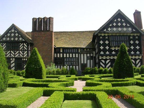 The Knot Garden (Little Moreton Hall)