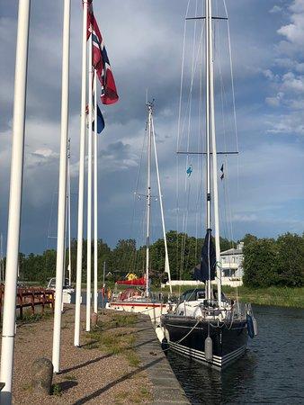 Norsholm, สวีเดน: Båtar på Göta kanal
