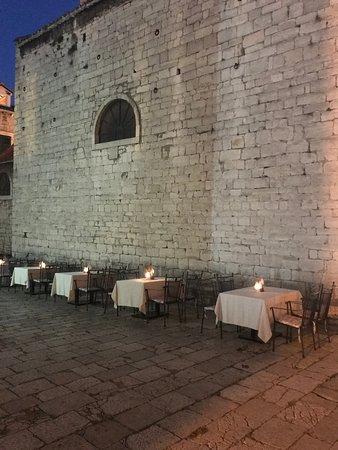 Restaurant Galerija: M