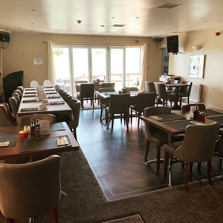 Royal Oak: restaurant refurbed