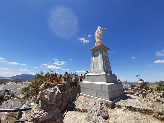 Monumento Al Sagrado Corazon