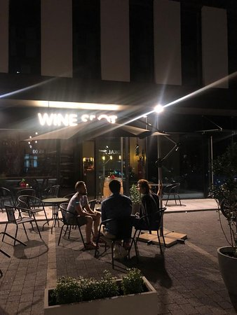 ‪‪Winespot‬: Outside seating available‬