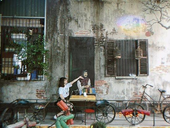 Hidden Gem Cafe & Pub 사진