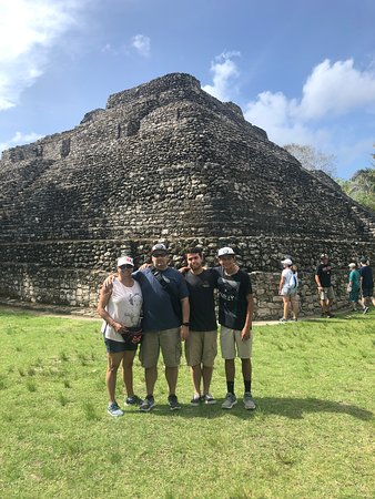 Mahahual Ecotours: Amazing ruins!! We learned SO MUCH!!