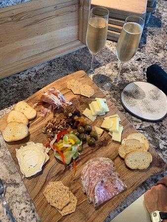 Gia: Drink. Eat. Listen: Charcuterie Board with Bubbles!