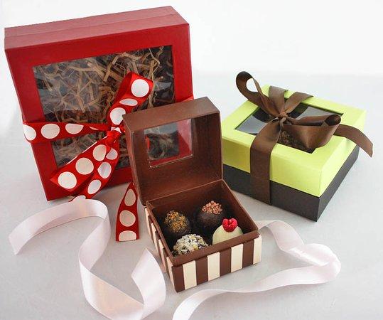 We proudly serve Vegan chocolate by Santa Fe local chocolate makers Kakawa.