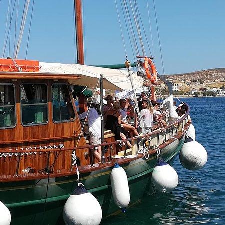 Parikia Town: Captain John evry day from Parikia
