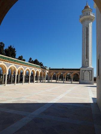 Bourghiba Mozelesi: Parte del porticato