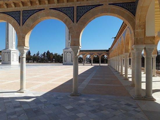 Bourghiba Mozelesi: Altra parte del porticato