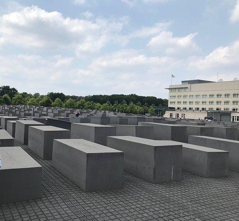 Explore Berlin: Top Attractions Walking Tour: Jewish Memorial
