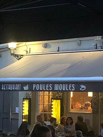Poules Moules Resmi