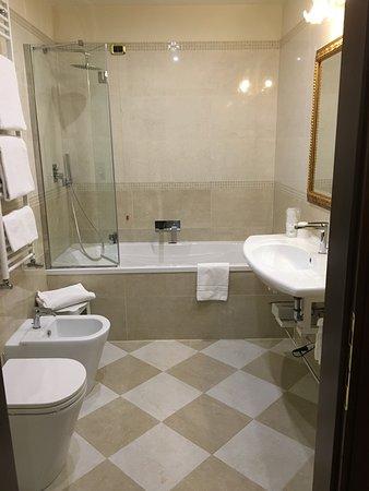 Room 55 bathroom