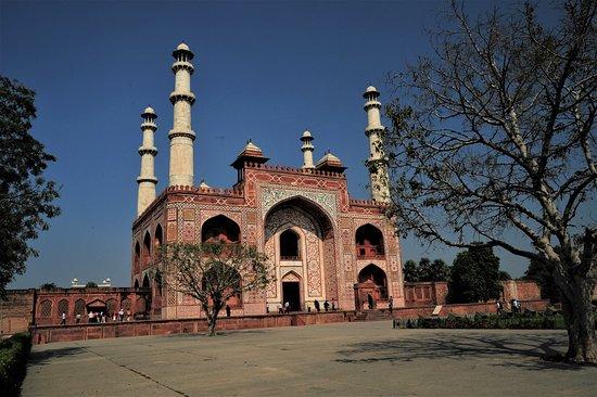 Mausoleo di Akbar, Imperatore Mogol - Sikandra / India. Cliccare sulla foto per vederla come scattata.
