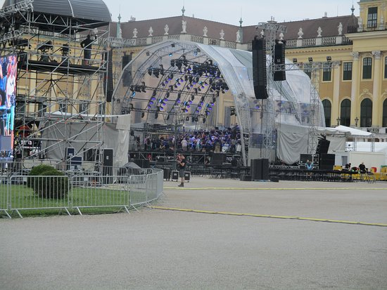 Skip the Line: Schonbrunn Palace Guided Tour in Vienna: Another view of the live POP- ROCK Concert preparation in front of the main entrance of the Palace
