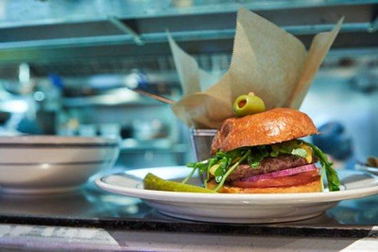 City Diner: Always open 24/7!! Come get your Burger!!
