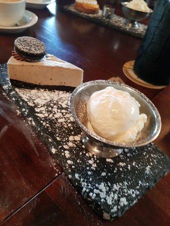 The Abbey: Oreo cheese cake