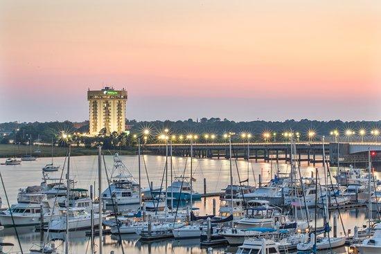 Holiday Inn Charleston Riverview Hotel