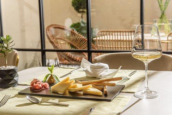 Breakfast room  – kuva: DOM Boutique Hotel, Kreeta - Tripadvisor