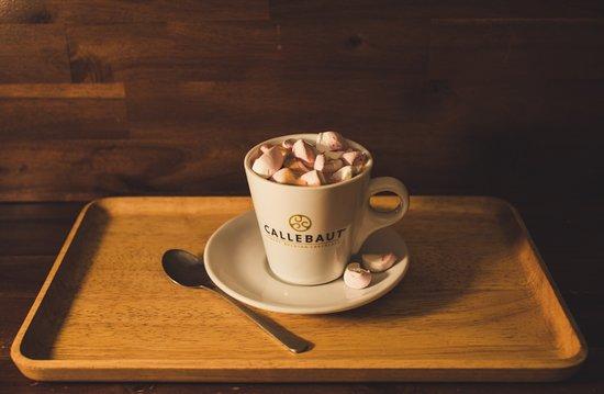 Čokoláda Callebaut s marshmallow (Chocolate Callebaut with marshmallows)