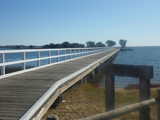 Leschenault Waterways Discovery Centre & Jetty Walk