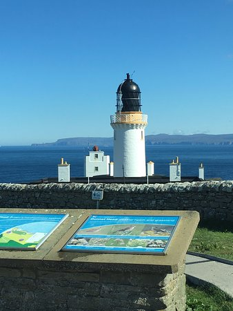 Dunnet Head: View of Duncansby Head Lighthouse