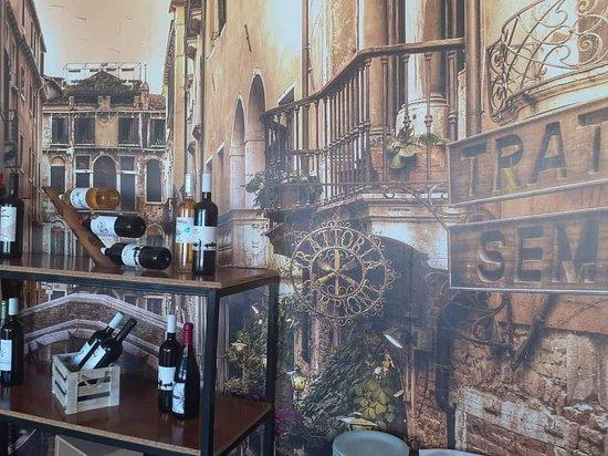 Hercules Restaurant Rethymno Wine variety