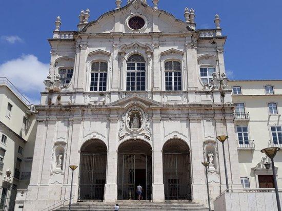 Igreja Paroquial das Merces