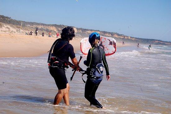 Almada, Πορτογαλία: professional kite lessons