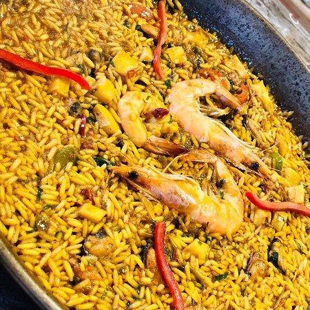 La Taverna - de - L'Espanyol: Paella de mariscos