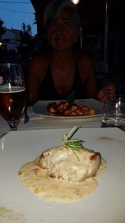 Filetto di cinta senese lardellato con crema di pecorino e noci