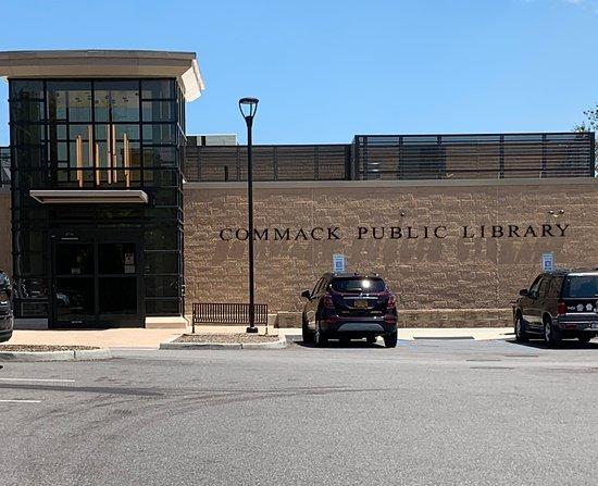 Commack Public Library