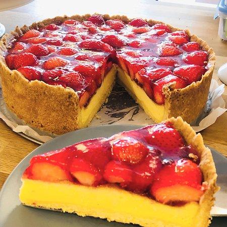 Torten und Kuchen stets hausgemacht
