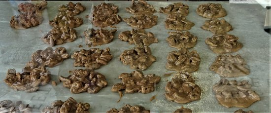 River Street Sweets - World Famous Pralines