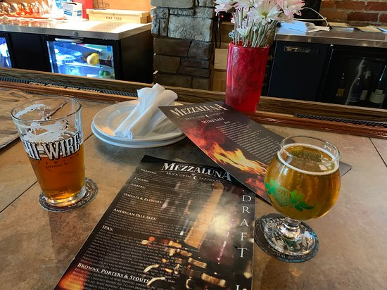 Mezzaluna: Nice place to stop in for local brews and appetizers