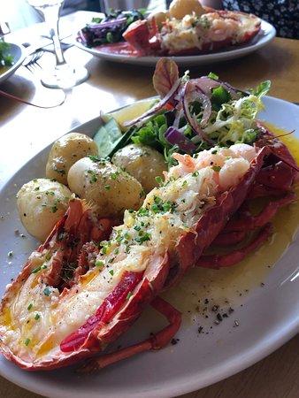 Drifter's Beach Bar & Bistro: Lobster!