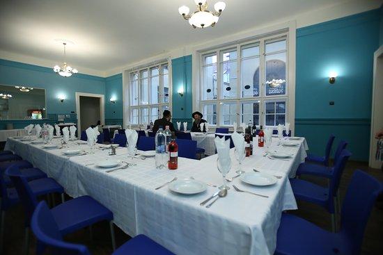 Hanna Glatt Kosher Orthodox Jewish Restaurant