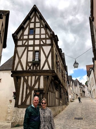 Driver-Guide-France: Lynne and Joe in Chartres