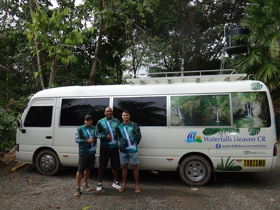 Waterfalls Heaven Costa Rica: Awesome team and comfortable bus